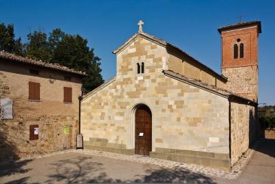 Eglise de Santa Maria près de Serramazzoni